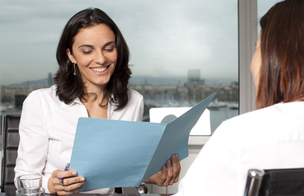 Evita clichés en tu CV